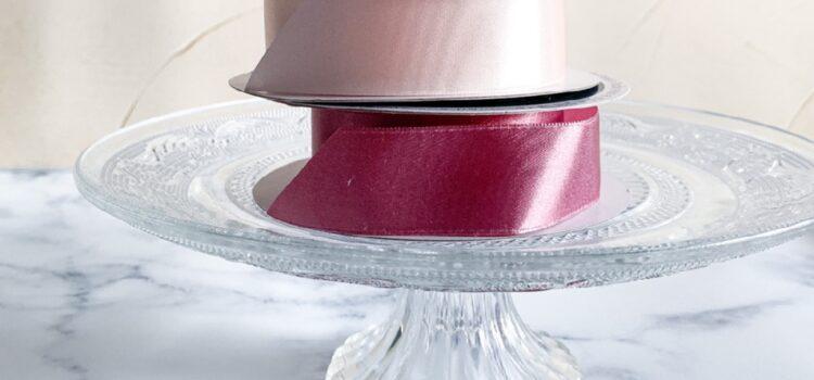 ピンクのリボンでおむつケーキ